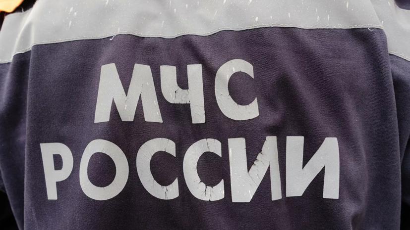 На месте обрушения крыши ангара в Калужской области нашли тело мужчины