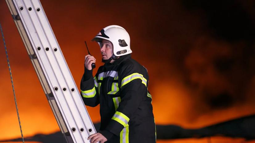 В Волгограде ликвидировали пожар на рынке