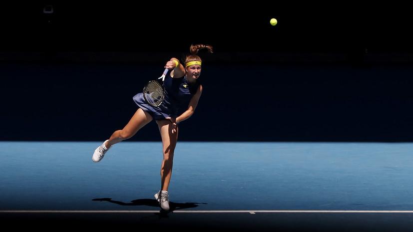 Мухова победила Барти и вышла в полуфинал Australian Open