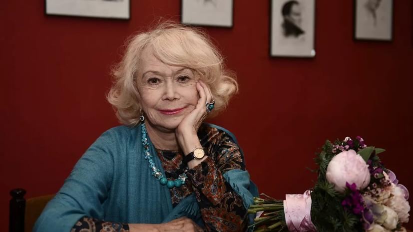 Светлана Немоляева рассказала о премьере спектакля «Как важно быть серьёзным»