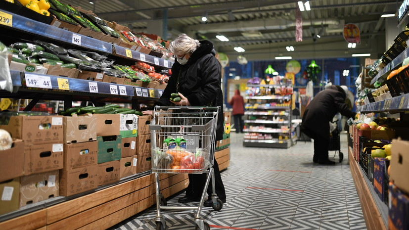 «Подумать над этим можно»: Путин оценил идею введения продовольственных сертификатов для малоимущих