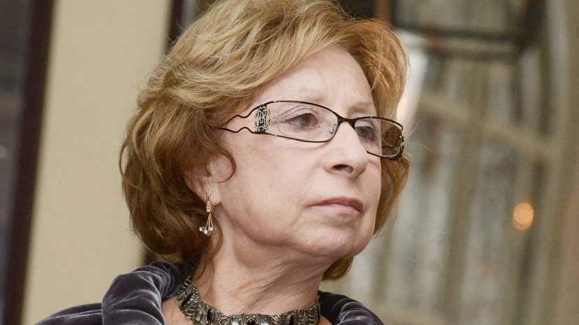Ахеджакова выразила соболезнования в связи со смертью Мягкова