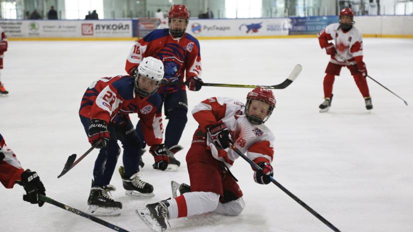 «Надо иметь голову на плечах»: в России осудили хоккейного тренера, обучавшего детей боевым приёмам