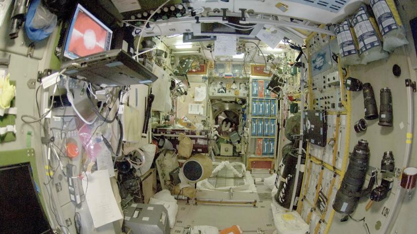 В «Роскосмосе» рассказали об анализе данных экипажа МКС о состоянии корпуса