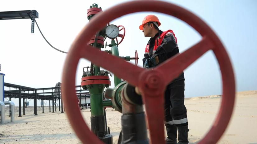 Разрыв трубопровода на нефтяном месторождении на Ямале