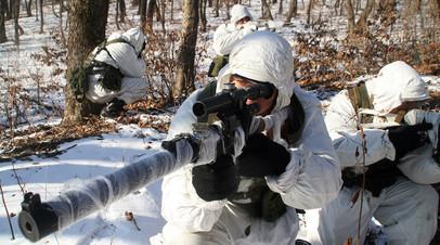 Военнослужащий ВС РФ с АСМ «Вал»