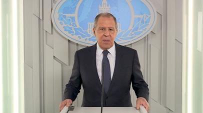 Лавров поздравил российских дипломатов с профессиональным праздником