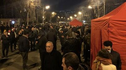 Генштаб Армении потребовал отставки правительства, Пашинян обвинил военных в попытке госпереворота