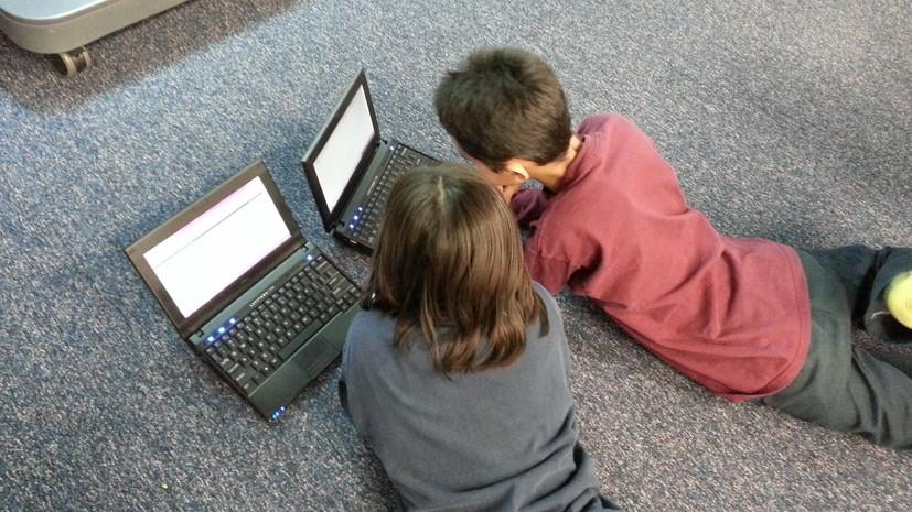 Психолог рассказал, как ограничить пребывание детей в интернете