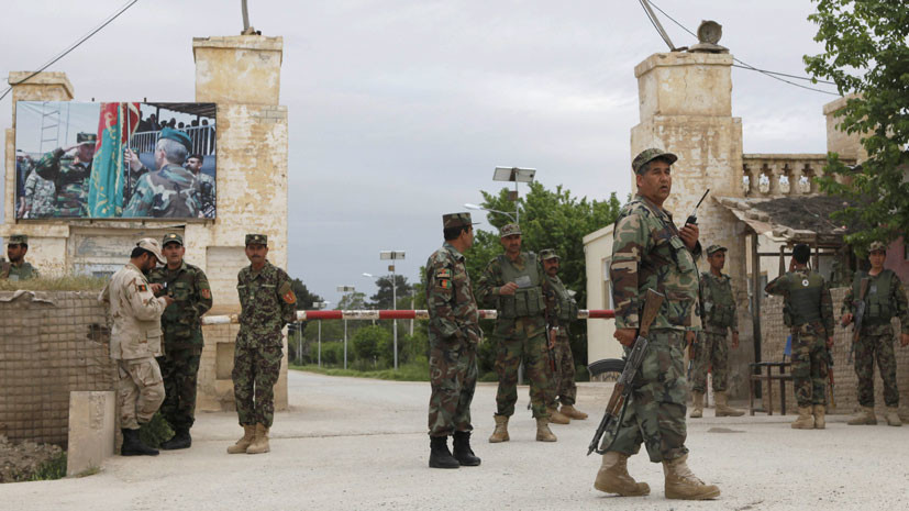 Семь военных погибли при нападении талибов на севере Афганистана