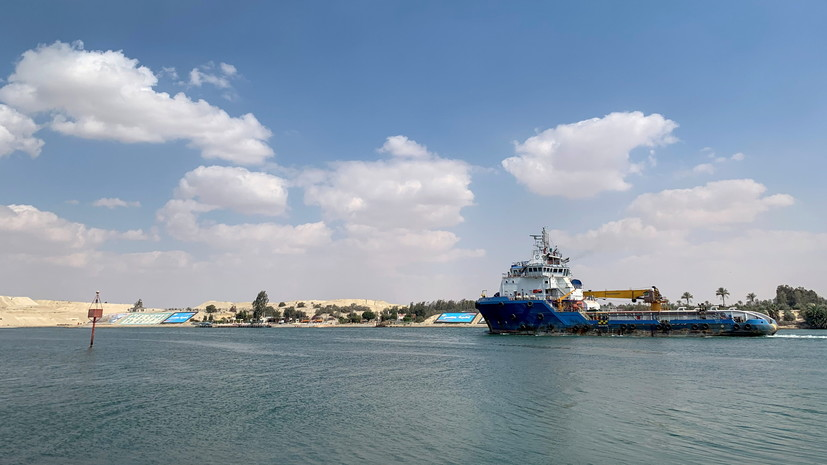 Вочереди напроход через Суэцкий канал собралось 276 судов