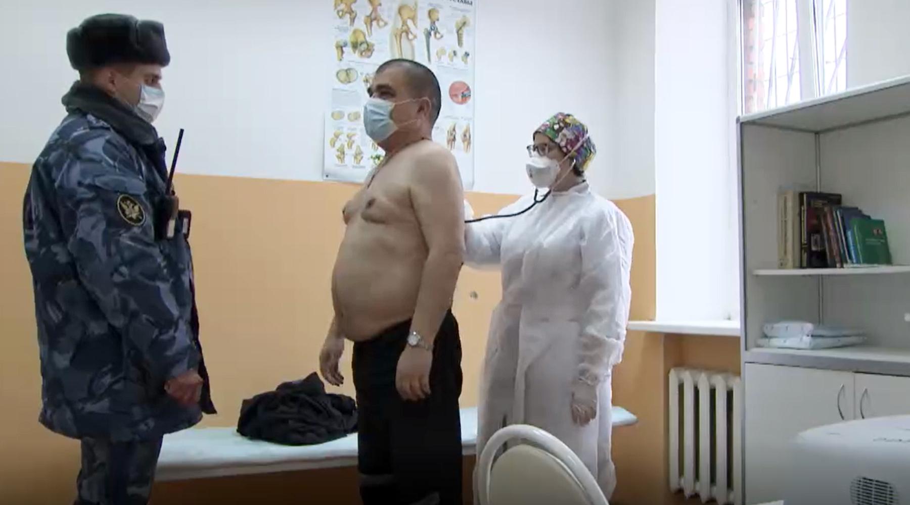 «Я был в числе первых»: как заключённые прививаются от коронавируса в местах лишения свободы1