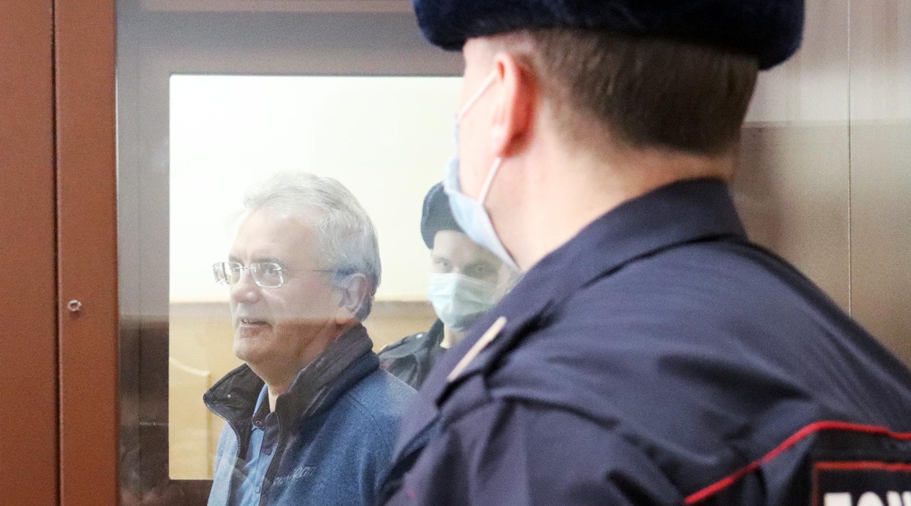 «В связи с утратой доверия»: Путин отправил в отставку арестованного губернатора Пензенской области Белозерцева1