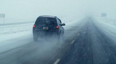 В Оренбургской области из-за сильной метели с трасс эвакуированы 46 человек
