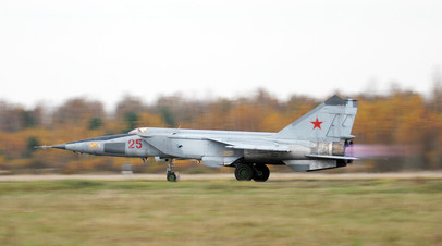 Боевая машина МиГ-25
