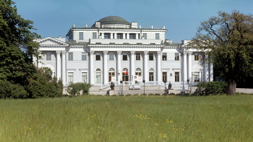 Елагин дворец откроется 13 апреля после реставрации