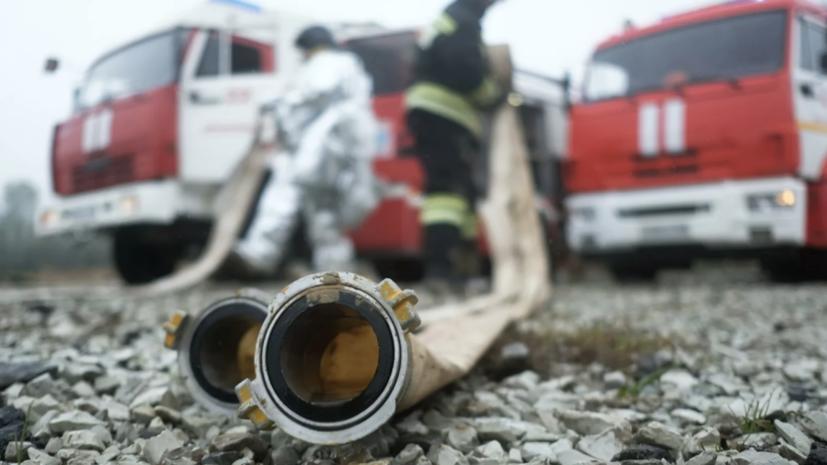 В Барнауле произошёл пожар в складском помещении