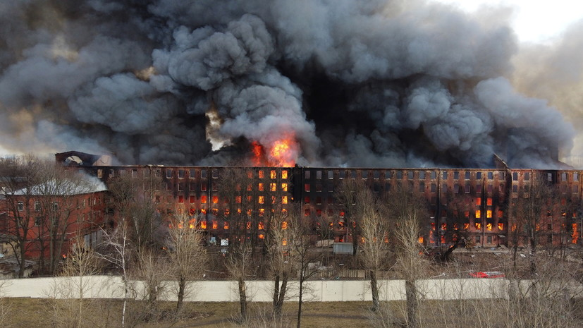 На месте пожара на Невской мануфактуре обнаружено тело погибшего