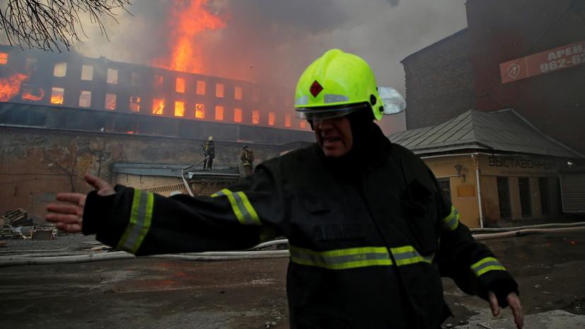 МЧС сообщило о локализации пожара на Невской мануфактуре