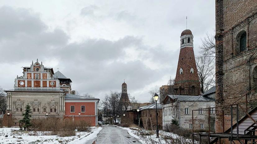 В Москве отреставрируют колокольню на Бауманской и комплекс Симонова монастыря