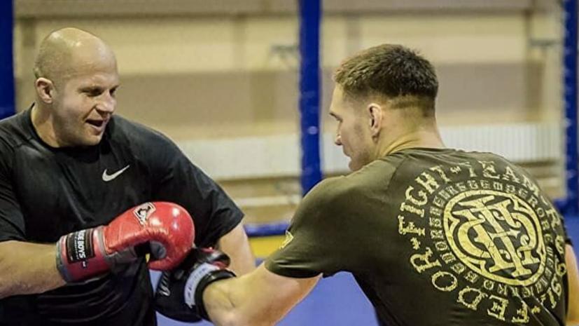 Немков рассказал, как Емельяненко помогал ему во время боя с Дэвисом за титул Bellator