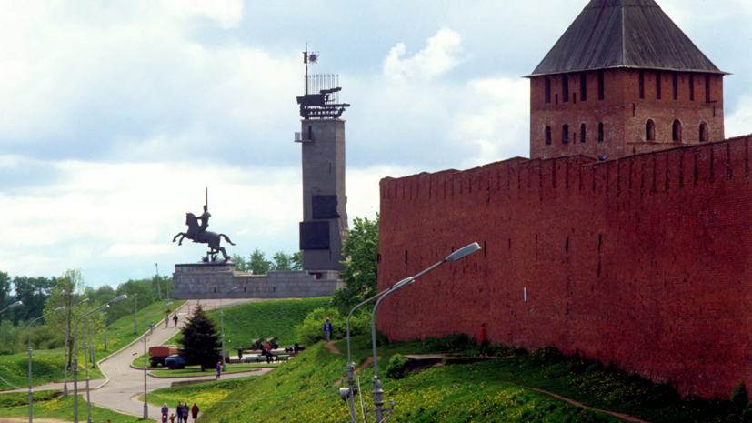 В Великом Новгороде обрушилась облицовка монумента Победы