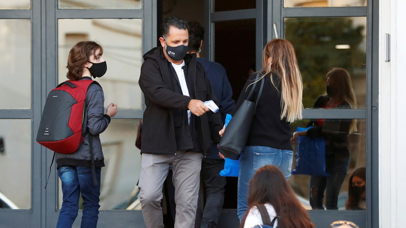 Число случаев коронавируса в Аргентине достигло 2 743 620