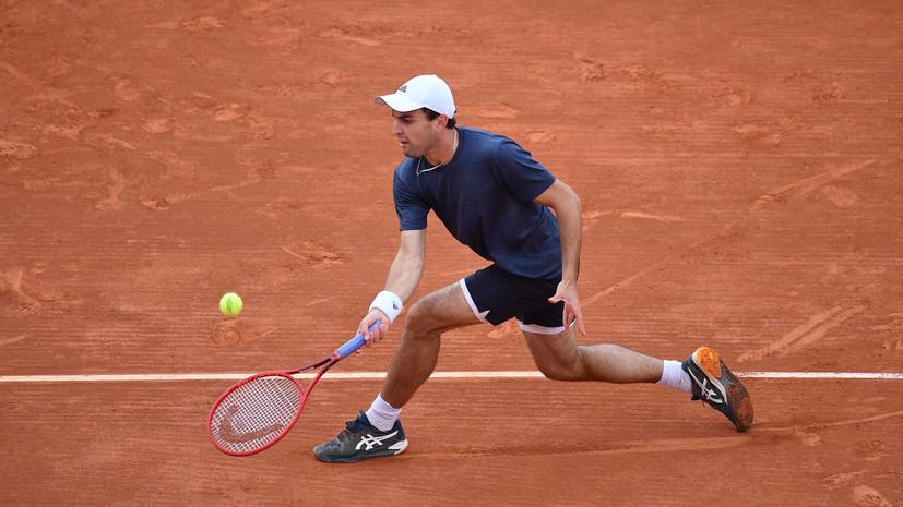 Карацев на тай-брейке победил Бедене и вышел в 1/4 финала турнира ATP в Белграде