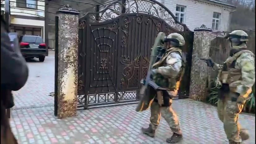 «Планировали массовые убийства и взрывы»: в девяти городах РФ задержали 16 членов украинской радикальной группировки