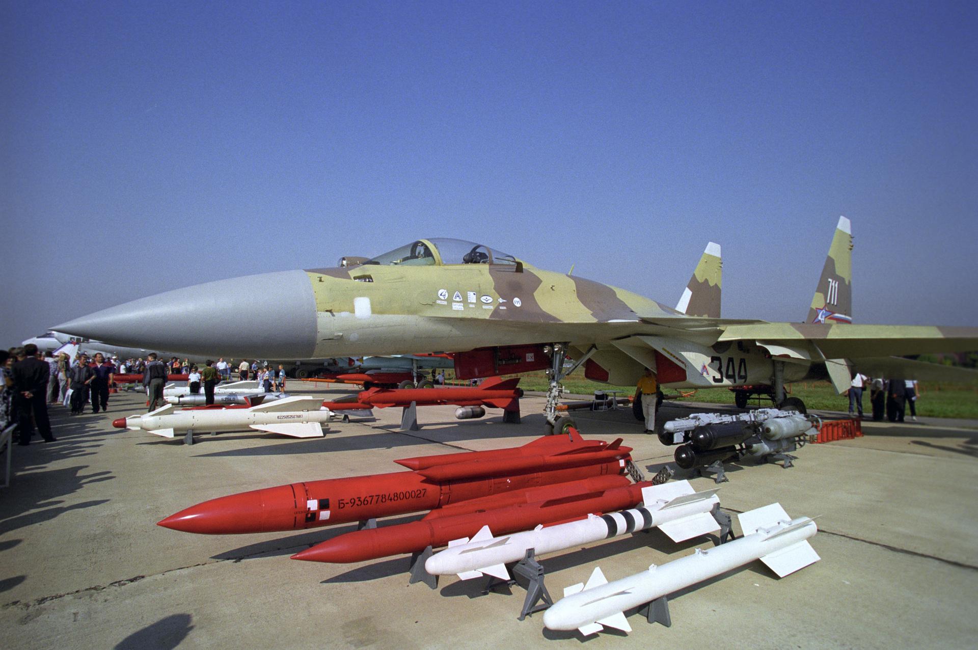 «Без него не появились бы Су-35 и Су-57»: какую роль в становлении истребительной авиации РФ сыграл самолёт Су-372
