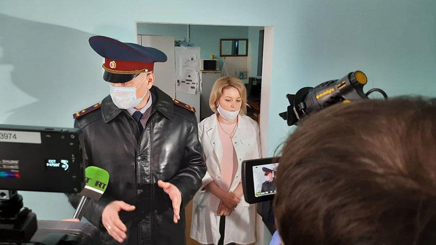 «Отказывается от работы и лечения»: что говорят в колонии о Навальном и условиях его содержания2