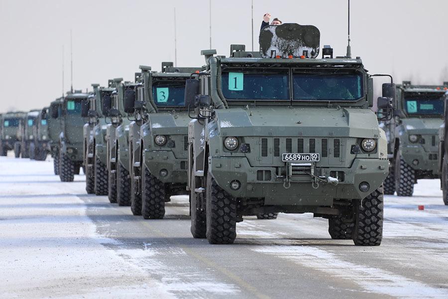 «Полностью отечественная разработка»: каким потенциалом обладает новейший армейский автомобиль «Тайфун-ПВО»1