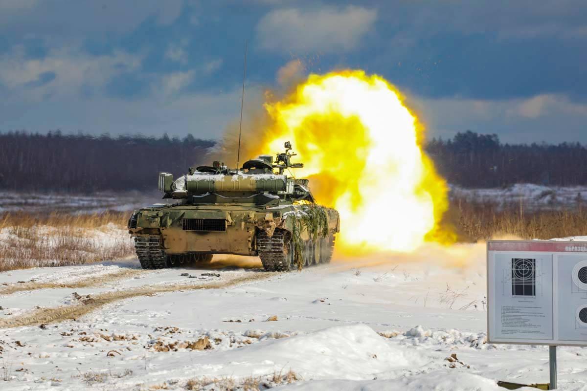 «Актуальность применения танков не исчезла»: какие новые тактические приёмы осваивает российская армия1