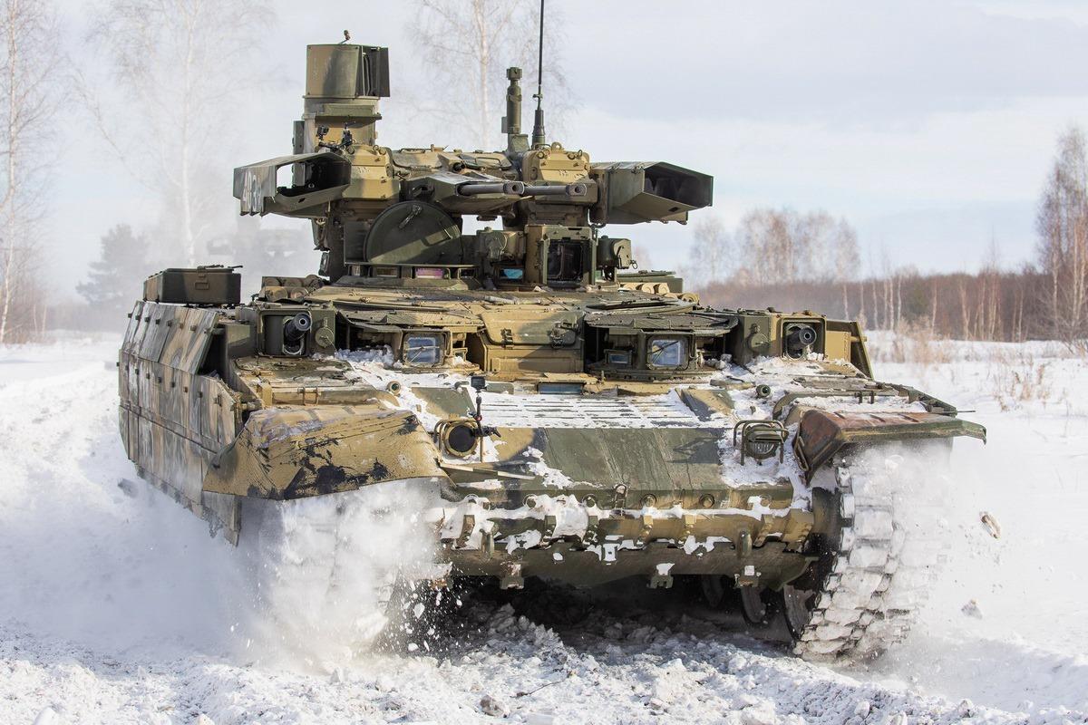 «Актуальность применения танков не исчезла»: какие новые тактические приёмы осваивает российская армия3