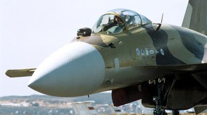 Многофункциональный сверхманёвренный истребитель Су-37