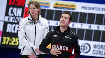 Российские кёрлингисты впервые победили команду Канады на ЧМ