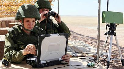 Офицер ВС РФ на пункте управления подразделением