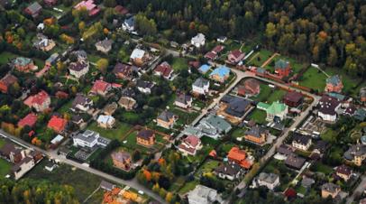 Эксперты рассказали о ситуации с арендой загородных домов в России