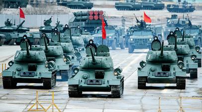 Тренировка расчётов механизированной колонны парада Победы в Алабине