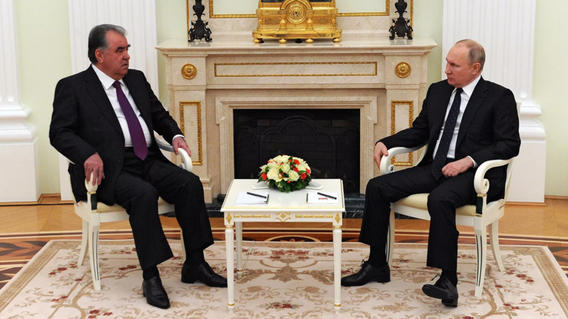 Путин и Рахмон затронули тему безопасности на фоне событий в Афганистане