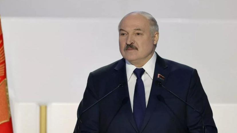 Лукашенко поздравил белорусов с Днём Победы