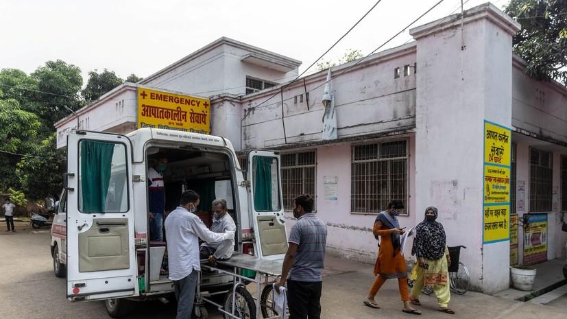 В Индии число случаев коронавируса превысило 24 млн