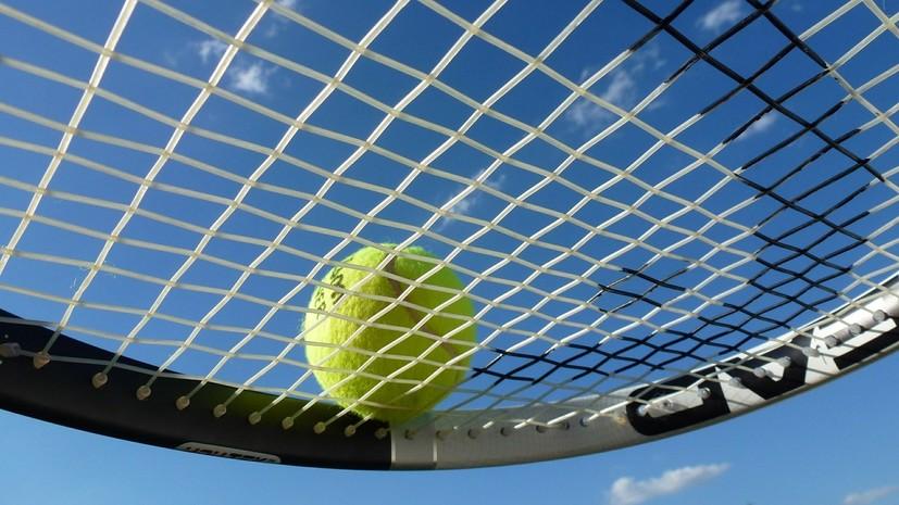 18-летняя теннисистка обвинила своего тренера в избиении ракеткой