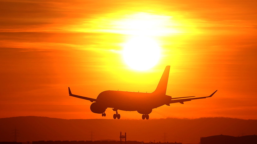 Бразилия приостанавливает авиасообщение с Индией
