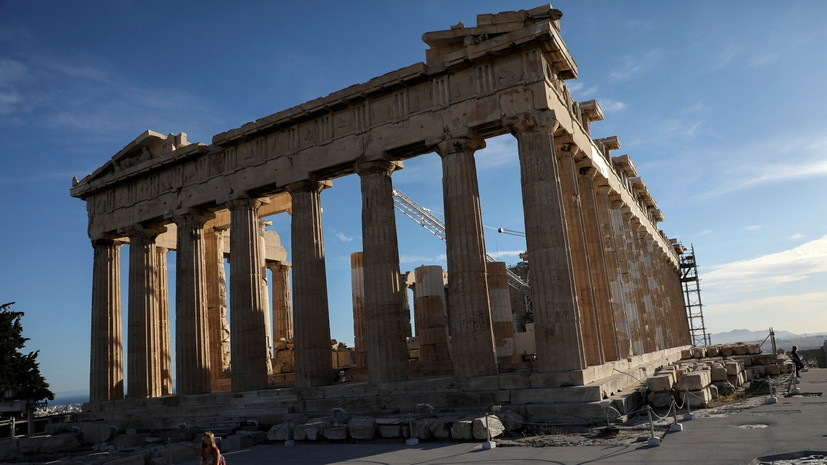 Число случаев коронавируса в Греции превысило 385 тысяч