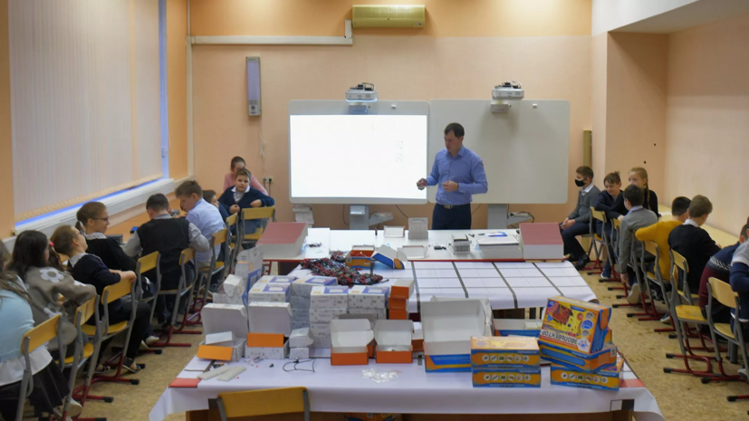 Путин поручил определить подход к числу иностранных учеников в классах