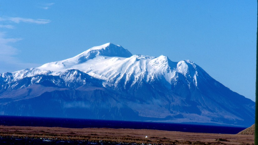 «Красный» код опасности авиации введён на Аляске из-за извержения вулкана