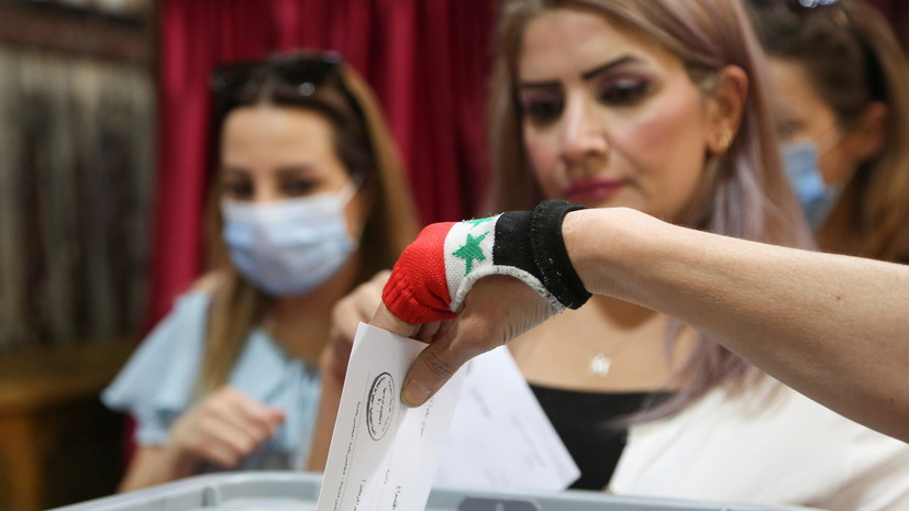 Выборы президента САР решено продлить на пять часов из-за высокой явки