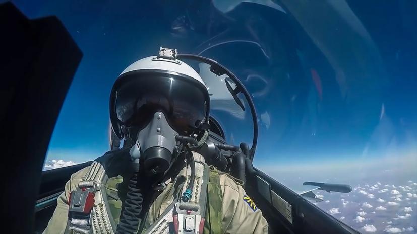 Мантуров заявил о подготовке модернизации истребителя Су-57
