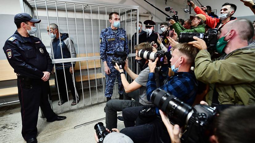 Ранивший двух человек в Екатеринбурге мужчина арестован на два месяца